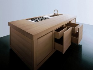 100 percent Solid Wood Kitchen which blocks chestnut wood definitely takes centre stage