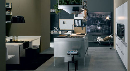Antonio Citterio from Arclinea make cabinets tops for cooking lighting in good position