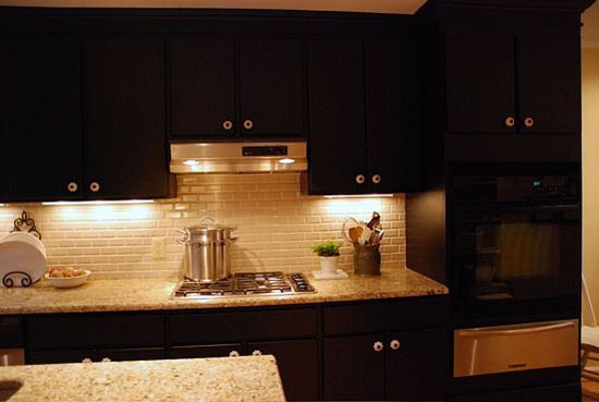 Black cabinet for black kitchen is amazing popular color