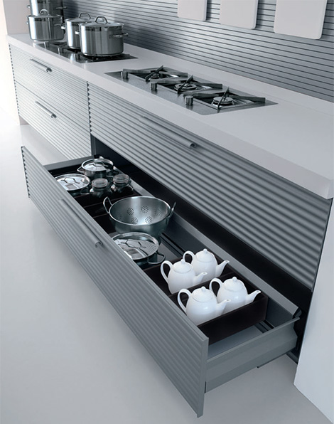 Cinquetere anodized aluminum kitchen highly contemporary looks by Schiffini
