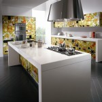 Crystal Kitchen giving depth and dynamism from Scavolini