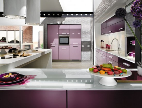 Cylindrical cooker hood in light color from Violet kitchen Mobapla