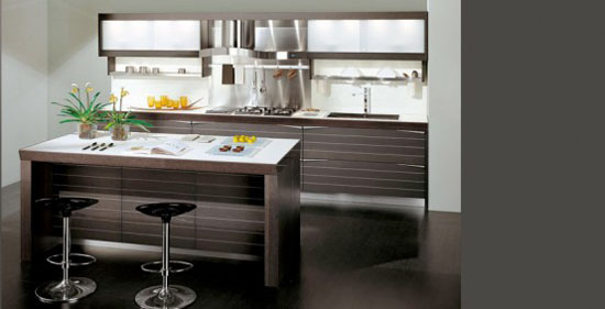 Dark Oak Wood Kitchens Designs combine high glossy colorful lacquer