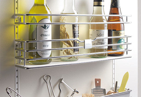 Kitchen Storage Solutions SieMatic MultiMatic system use of slender metal bars