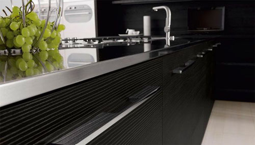 Minimalist Black & White Kitchen stylist and minimalist Design Futura Cucine