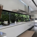 Modern minimalis design with pictures from the bright colors in this kitchen design