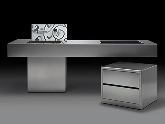 The Isola Linear kitchen design using material like steel with clean lines square