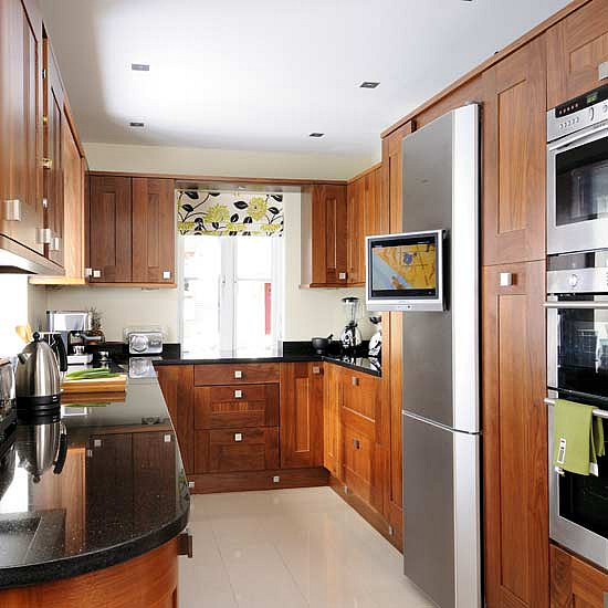 Tips Of Working With Small Kitchen Design Kitchen Design Ideas At Hote