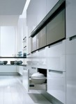 U shape kitchen work flow effortlesly in small kitchen by Pedini