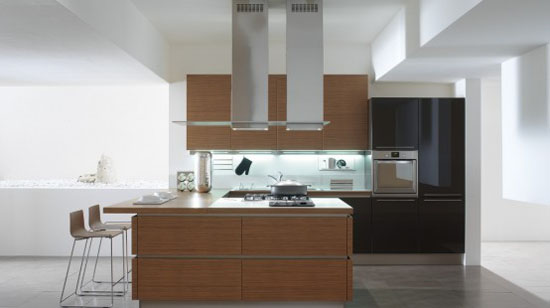 White Kitchen with Wooden Elements in Oyster by Veneta Cucine