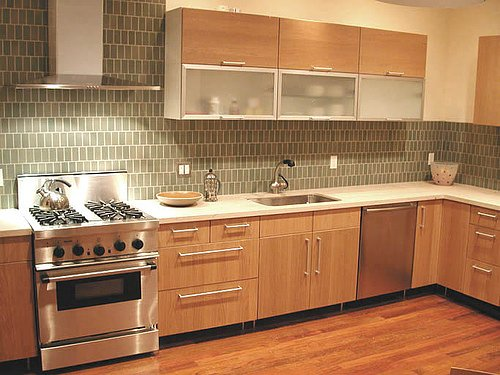 Create a beautiful backsplash in modern kitchen design for Contemporary kitchen tiles ideas