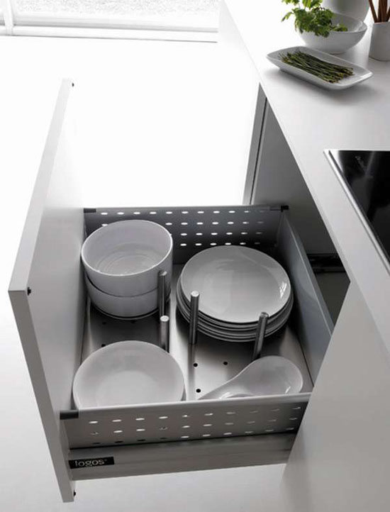 beautiful white kitchen inspired by islands in open sea give fantastic results