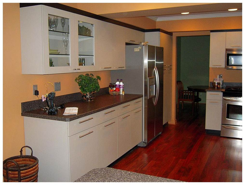 27 simply kitchen cabinets for small kitchens for great for Great ideas for small kitchens