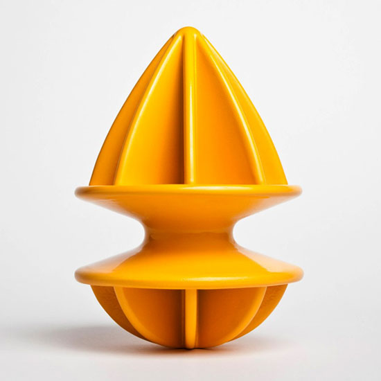 doubles squeeze with unique funnel design used to citrus fruits