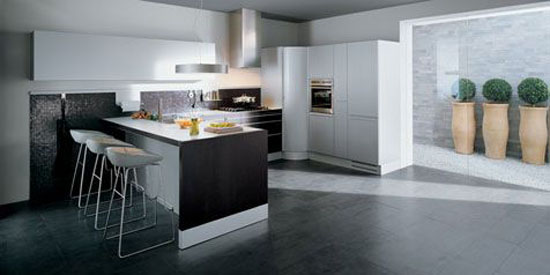 italian kitchens style from Valcucin has clean lines for modern kitchen