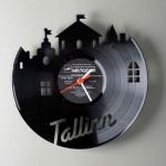 kitchens wall clocks designs ideas use Vinyl records clocks of many unique shapes