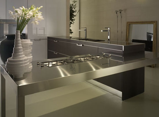 neutral tones kitchen Contrasting glossy white and matt black pantry from Salvarani
