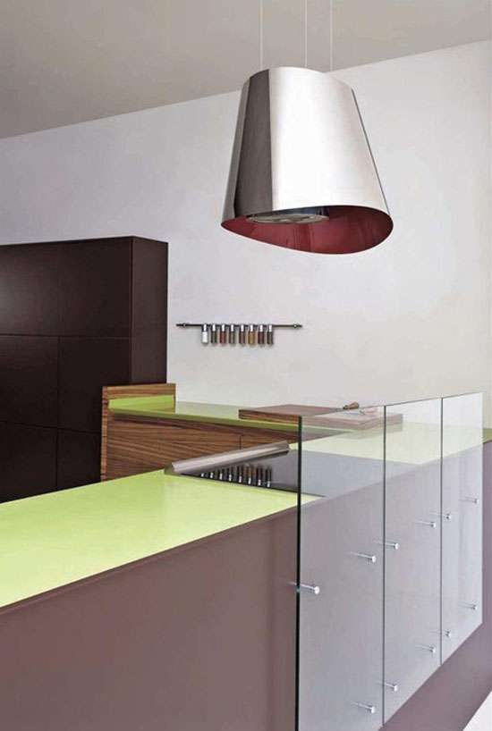 simply slide tempered glass backsplash green corian and Zen like design by Toffini