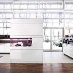 the kitchen communicates with environment bringing the room to life
