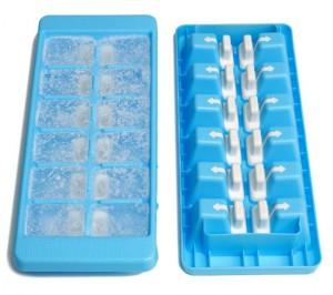 unique ice cube trays called Quick snap is greats idea