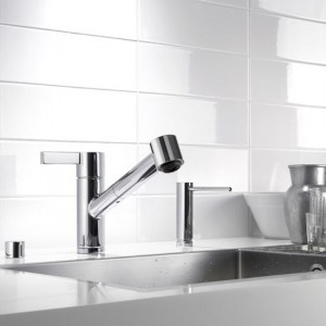 unique sleek and shiny silver colors kitchens faucet from Dornbracht Eno