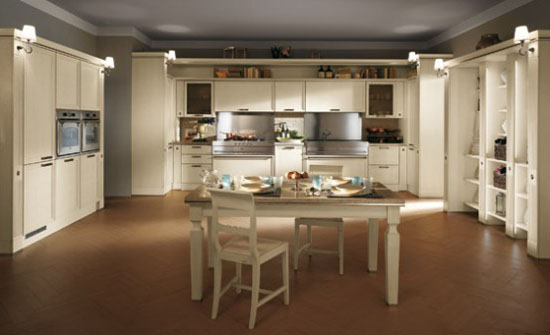 warm and cozy Classic Kitchen Absolute by Scavolini