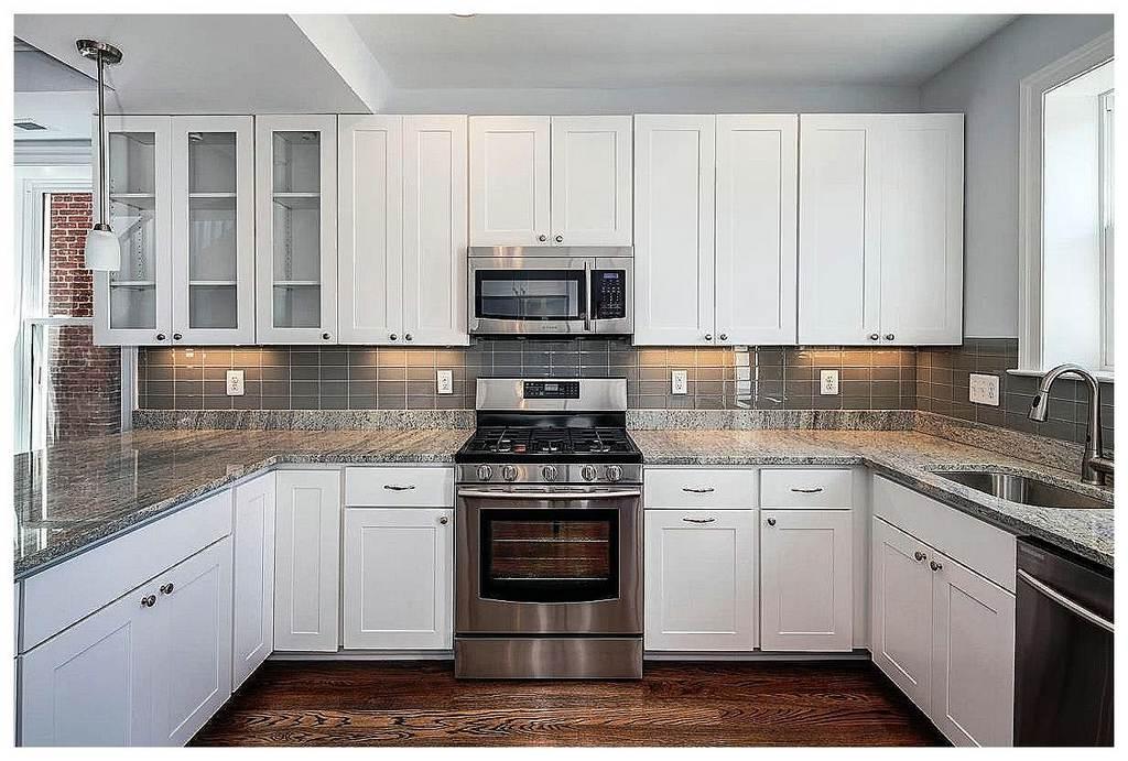 15 five star white kitchen designs in elegant and chic for 5 star kitchen designs