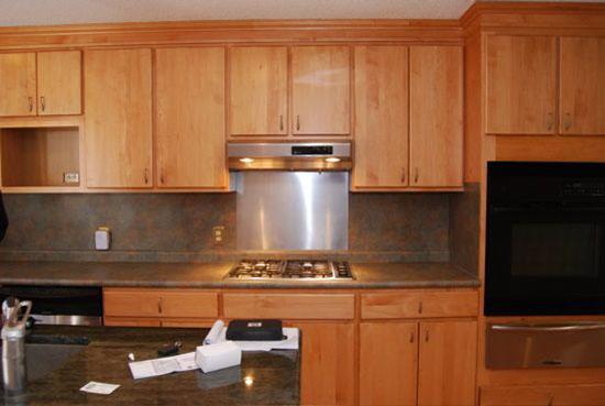 Black cabinets for black kitchen is amazing popular color