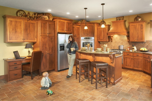 Experience the hand made Quality of Amish Kitchens and Cabinets for a nice and cozy kitchen