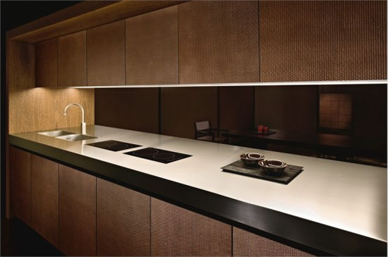 moderns Kitchens with microwave integrated and built-in cooler by Armani