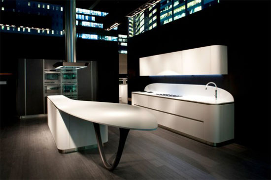 smooth rounded lines of corners of high demanded Ola kitchens by Snaidero